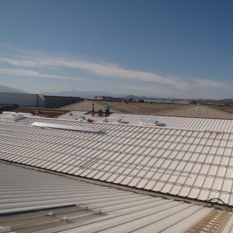 Réfection de toitures en bac acier sur un bâtiment de stockage à Perpignan (66)
